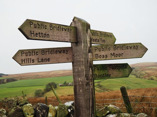 A major junction and bridleways above Winterburn Reservoir