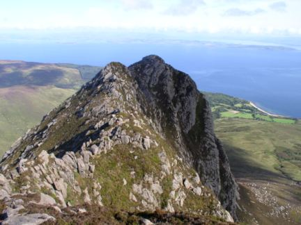 Looking back at the short but exciting Cioch na h-Oighe ridge