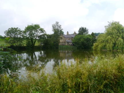 The large pond in Grewelthorpe