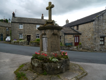 The war memorial in Lofthouse