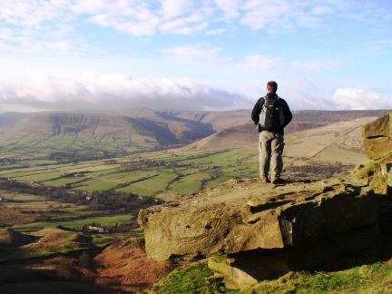 Looking across the Vale of Edale from Back Tor